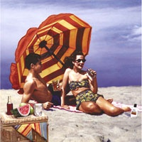 3_13500_1034, Man and Woman in Beach -